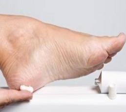 photo-of-applying-antifungal-cream-in-foot.jpg