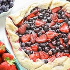 photo-of-pie-with-fresh-berries.jpg