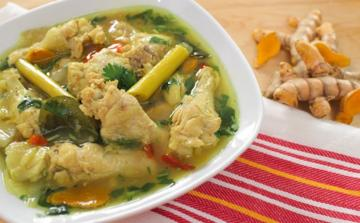 bowl-of-chicken-soup-with-turmeric.jpg