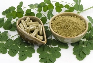 Moringa Leaves and Capsules
